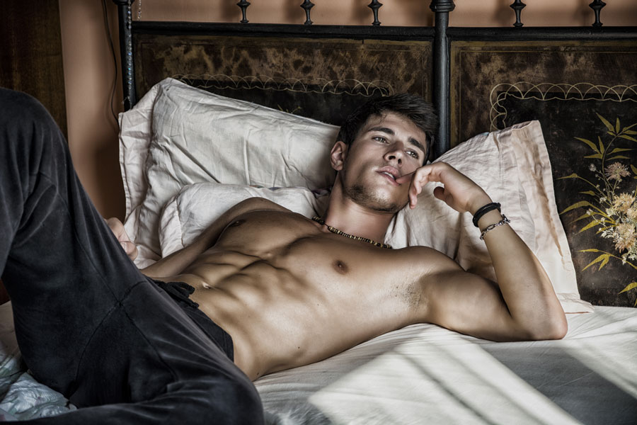 sexy-man-bed